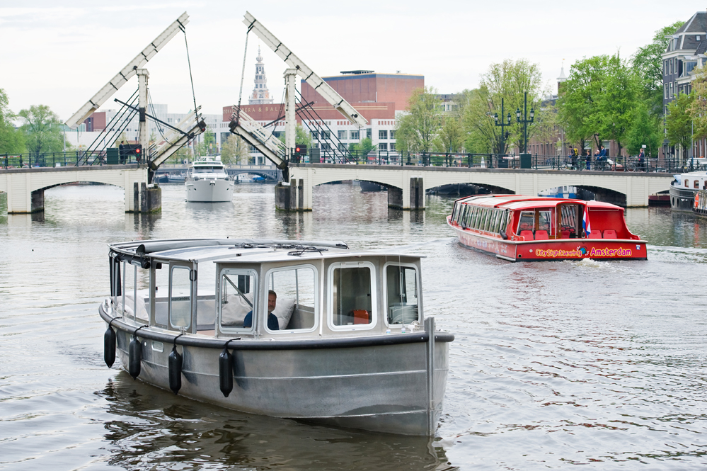 sloepvrienden full electric salon boat Amsterdam